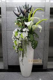 Tall Glass Vase Flower Arrangement Tall Vase Arrangements Peeinn Com