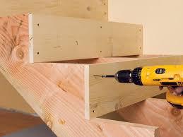treppe bauen holztreppe selber bauen einfache anleitung und tipps