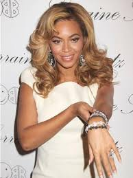 loved up beyonce shows off new wedding finger tattoo celebsnow