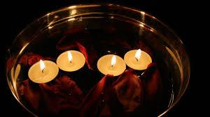 composizione di candele candele da massaggio per momenti di puro relax dalani e ora