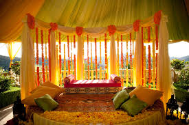 modern natural design of the yellow wedding decorations ideas that