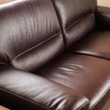 canapé cuir qui colle faire disparaître une tache sur du cuir la adresse