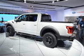 ford raptor 2016 2017 ford f 150 raptor supercrew drops jaws and snaps necks at detroit