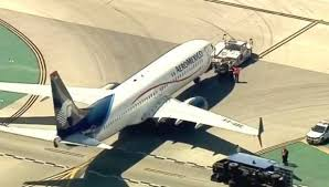Press Advertising Aeromexico Multi Format Boeing 737 Collides With Truck At Los Angeles Airport Injuring