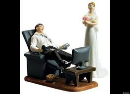 and chain cake topper inappropriate wedding cake toppers