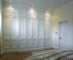 Wall To Wall Closet Doors Floor To Ceiling Closet Ohfudge Info