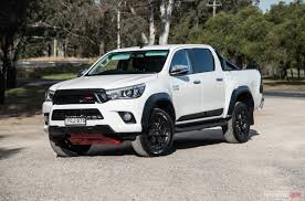 toyota hilux 2017 toyota hilux trd review video performancedrive