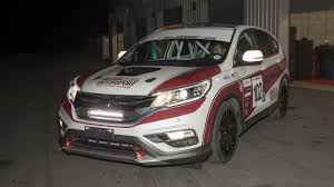 cars u0026 racing cars honda honda unveils diesel cr v race car for race of remembrance