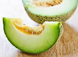 42 foods to stop belly bloat eat this not that