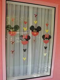 impressive ideas for disney theme window decorations
