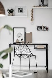 coin bureau design un coin bureau dans un salon déco minimaliste et scandinave en noir