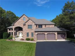altoona wi homes with walk out basement for sale u2013 realty