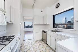 trump apartment live above donald trump jr for 4 million