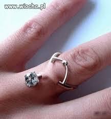 pierscionek zareczynowy podskórny pierścionek zaręczynowy wiocha pl absurd 170619