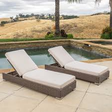 Barcelona Outdoor Furniture by Barcelona Outdoor Wicker Chaise Lounge With Sunbrella Cushions
