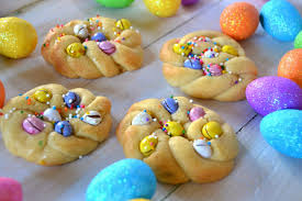 italian easter egg cut and dyed a tempting easter brioche makan harian