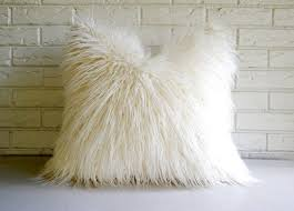 Pottery Barn Faux Fur Pillow Best 25 White Fur Pillow Ideas On Pinterest Fur Pillow Fluffy