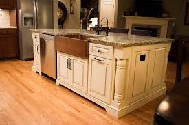how much room for a kitchen island edgewood cabinetry