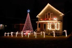 Lighted Outdoor Christmas Decorations Trees by 31 Exterior Christmas Decorating Ideas Inspirationseek Com