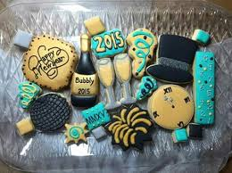 New Year S Decorated Cupcakes by 92 Best New Years Decorated Cookies Images On Pinterest