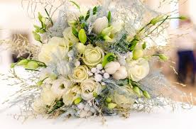 flowers for weddings 11 flowers for weddings and beautiful ways to use them