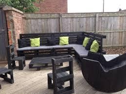 canapé exterieur en palette 52 idées pour fabriquer votre meuble de jardin en palette archzine fr