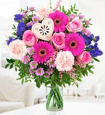 mothers day flower i love mum mothers day flowers 24 99 free chocolates