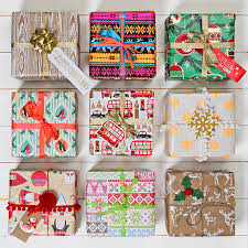 luxury christmas wrapping paper 26 beautiful christmas wrapping ideas with these attractive papers