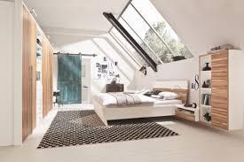 deco chambre sous comble aujourd hui j aime cette chambre sous les toits sous les toits