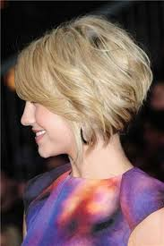 how to stlye a stacked bob with wavy hair short angled bob hairstyles for fine hair hair cuts pinterest