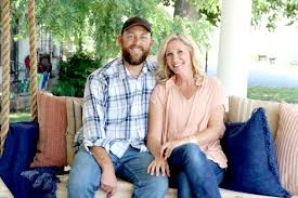 hgtv home makeover tv show news videos full episodes tonight new home restoration show on hgtv to feature arkansas couple