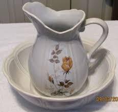 pitcher of roses mccoy wash bowl pitcher roses 7529 ebay pitchers bowls