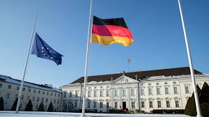 What Colors Are The German Flag Mit Volldampf Ins Chaos Eine Anmerkung Zu Junckers Vorschlägen By