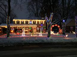 traffic light mt clemens show off your holiday lights 2016 our 10 favorite homes so far
