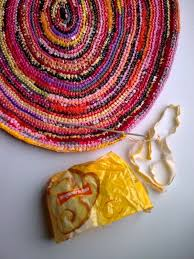 How To Make A Rug Out Of Plastic Bags Best 25 Plastic Bag Crafts Ideas On Pinterest Plastic Bag