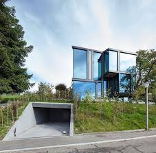 design of a country house of glass and concrete by l3p architekten