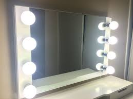 Makeup Mirror Lighted Lighted Makeup Mirror The Difference Between Led Fluorescent