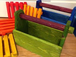 poikien värikkäitä puutöitä puukäsityö pinterest craft