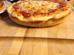round table pizza pan vs original crust pan pizza crust copycat pizza hut pan pizza crust with a twist