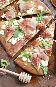 Need A Dinner Idea Fig And Prosciutto Flatbread Pizza Recipe Wonkywonderful