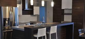 cuisine contemporaine cuisine contemporaine avec armoires de mélamine et comptoirs de
