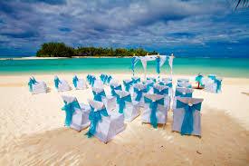 a simple set up at muri beach club hotel cook islands wedding