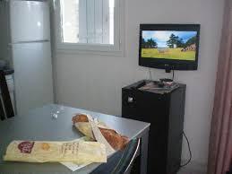 tele cuisine tele en de la table de cuisine photo de le domaine du golf