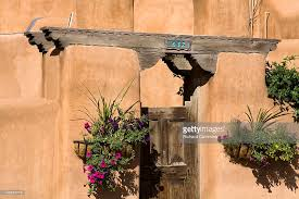 Santa Fe Style House Adobe Style House On Old Santa Fe Trail Stock Photo Getty Images