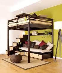 lit en hauteur avec canapé lit mezzanine avec un canapé en dessous pour un espace convivial