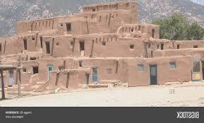 pueblo adobe houses paleovelo com pueblo adobe houses