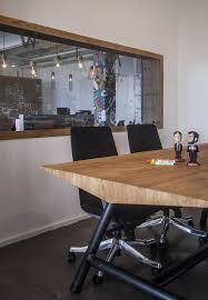 Office Desk Games by Inside Jelly Button Games U0027 Beautiful Tel Aviv Office Officelovin U0027