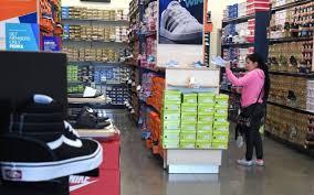 rack room shoes opens in turlock habit and more restaurants