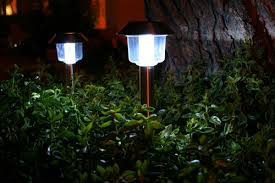 Solar Landscaping Lights 6 Tips On How To Choose Solar Landscape Lighting Your Solar