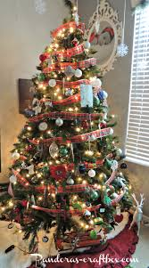 ribbon around christmas tree round designs